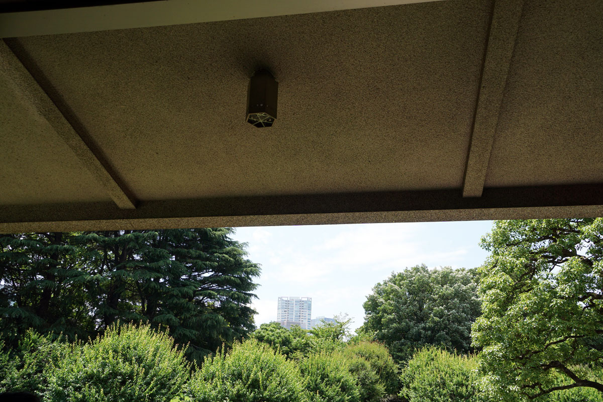 画像 迎賓館和風別館 「游心亭」(ゆうしんてい) 六角形の照明 谷口吉郎
